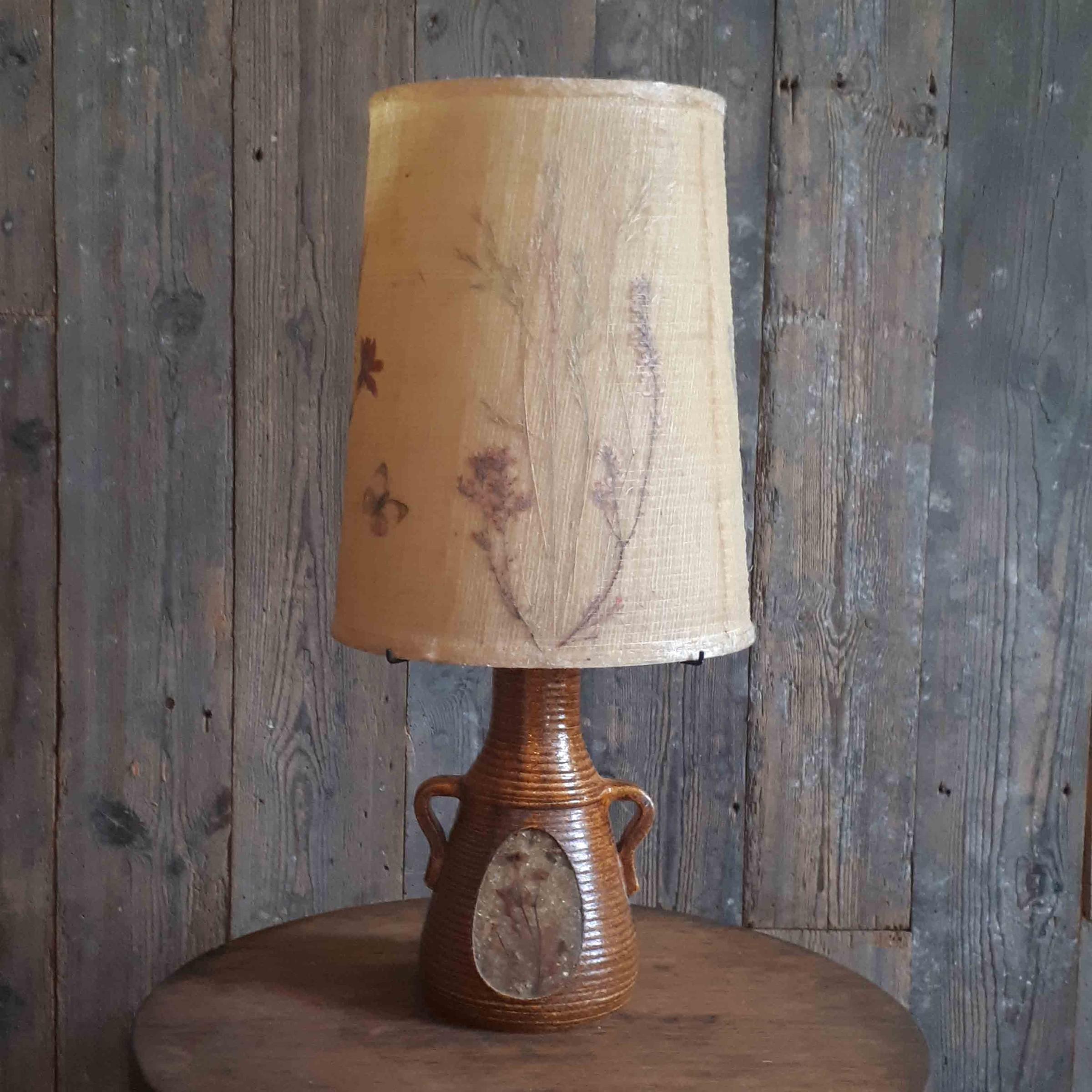 Accolay braune Keramiklampe mit originalem Lampenschirm