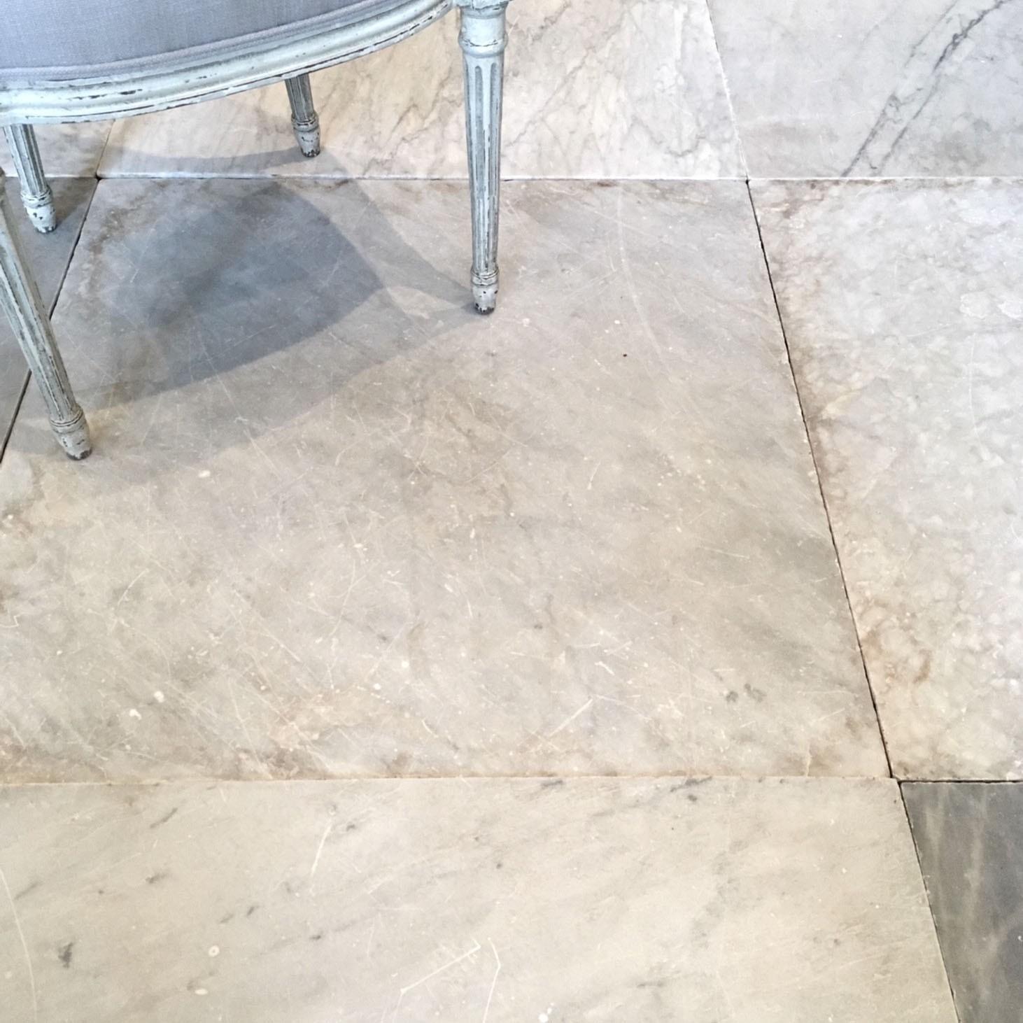 Alte Carrara-Marmorfliesen
