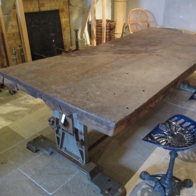 alte industrielle Tisch