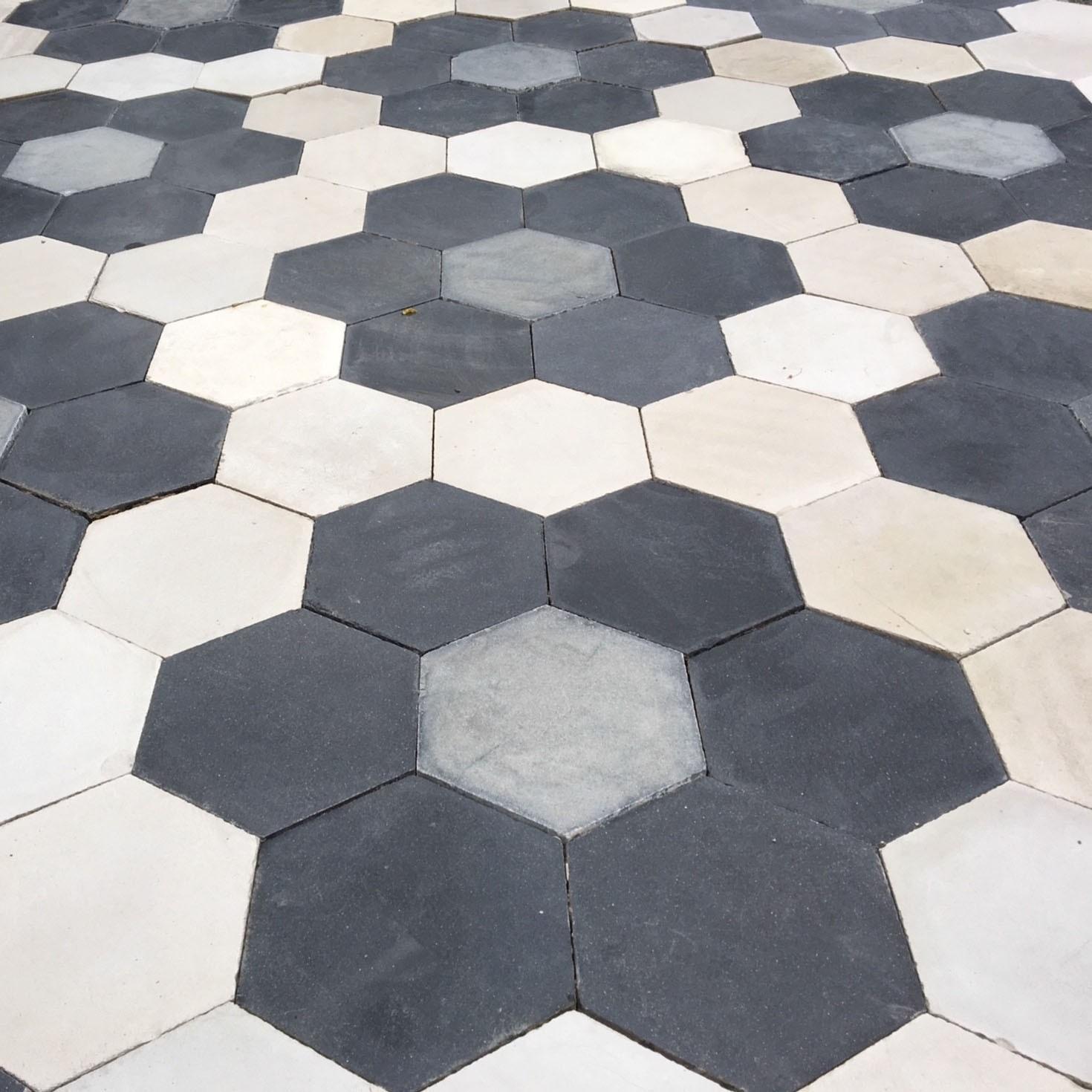 Batch von alten Hexagon Zementfliesen