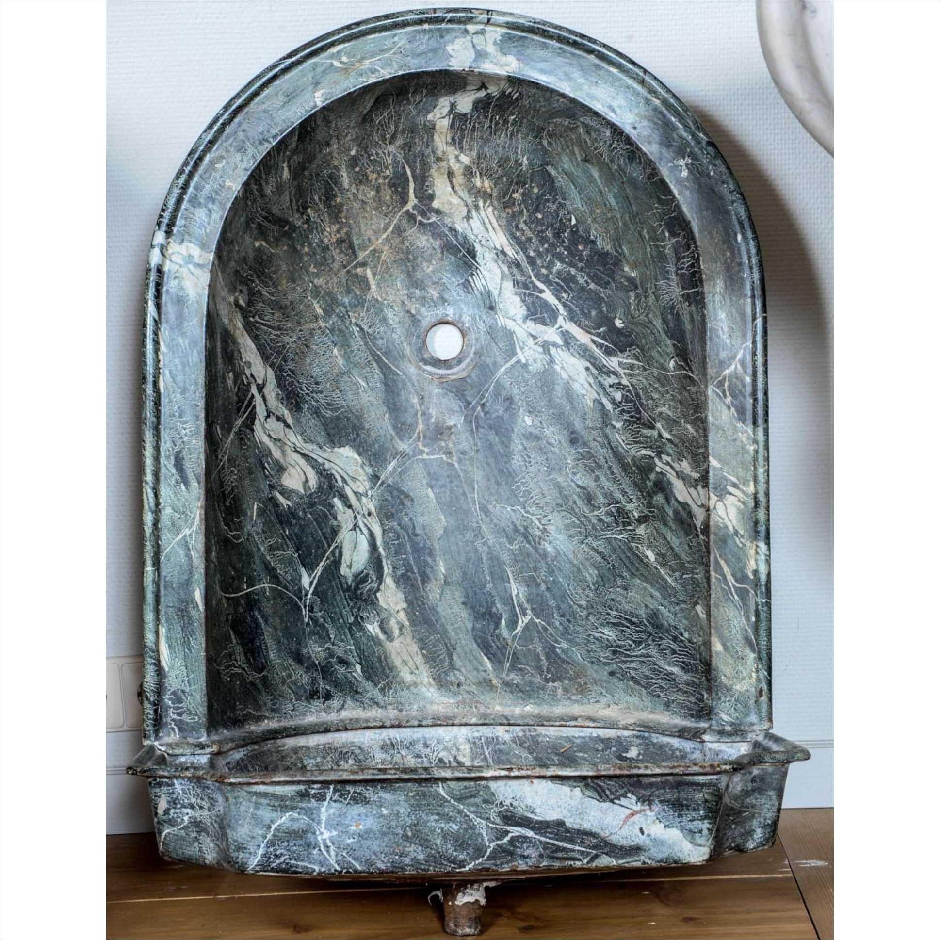 Gusseisenen marmorierte Waschbecken