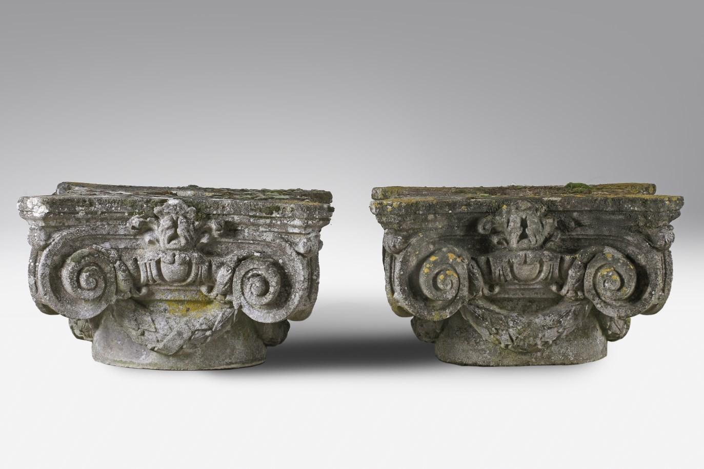 1 Paar Komposit Steinkapitelle, Ende 19. Jh.