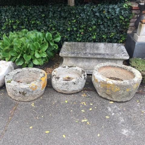 Drei alte Runde Troge aus Granit
