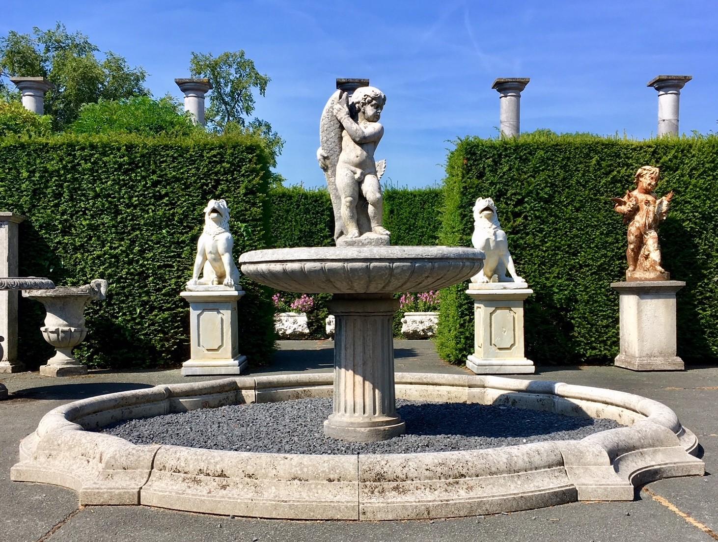 Garten Statuen und Verzierungen