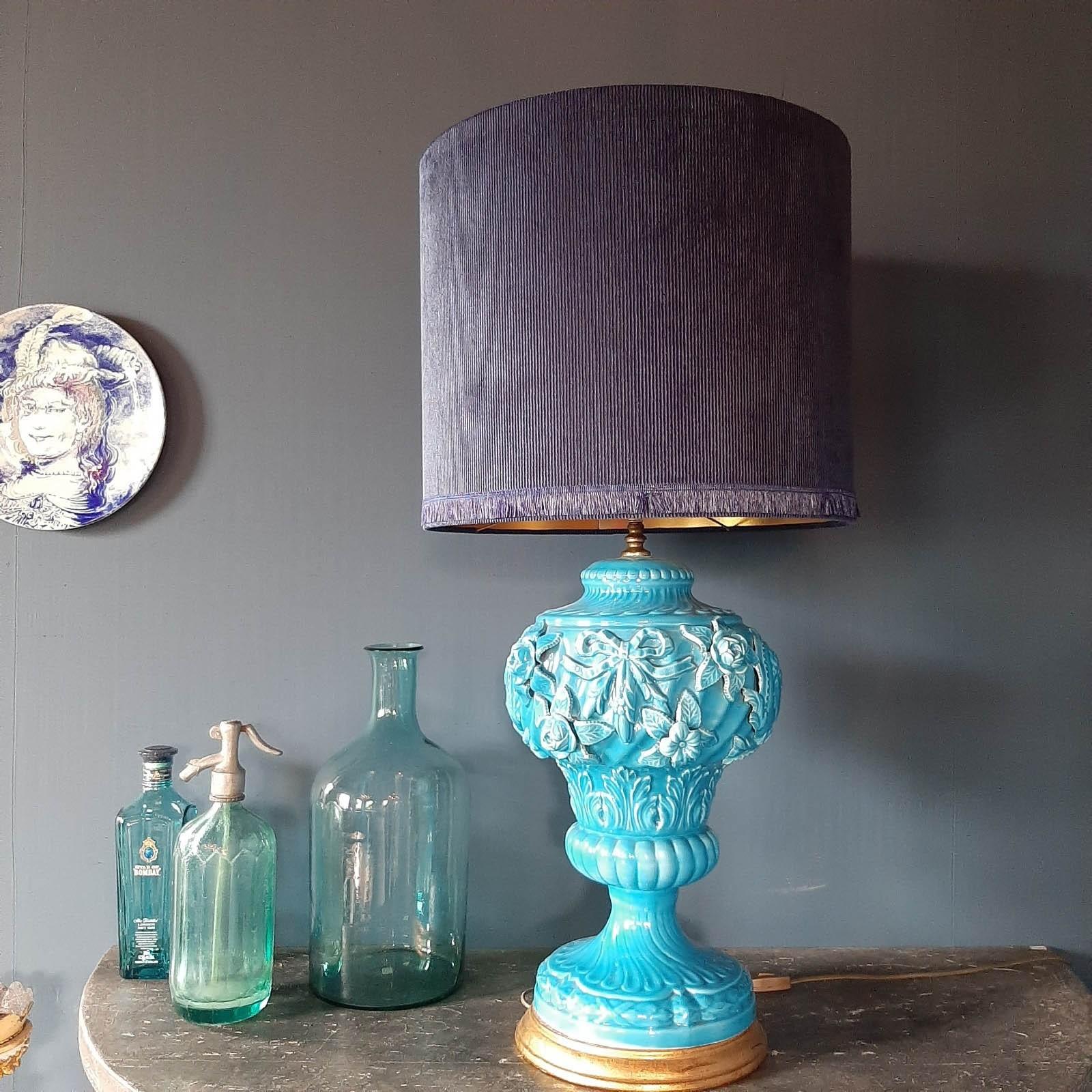 Große Mid-Century Blue Manises Keramik Tischlampe 1950