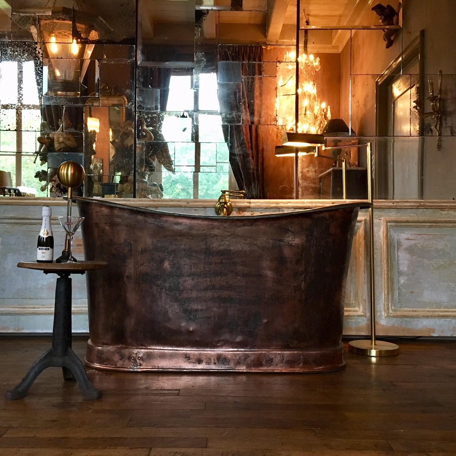 Schöne Kupferbadewanne aus dem frühen 19. Jahrhundert