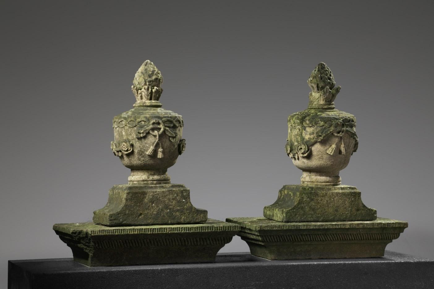 1 Paar Sandstein-Torelemente aus dem 19. Jh.
