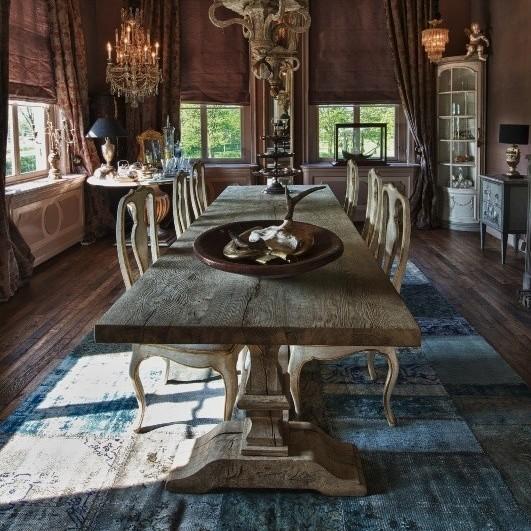 Tisch aus alter Eiche