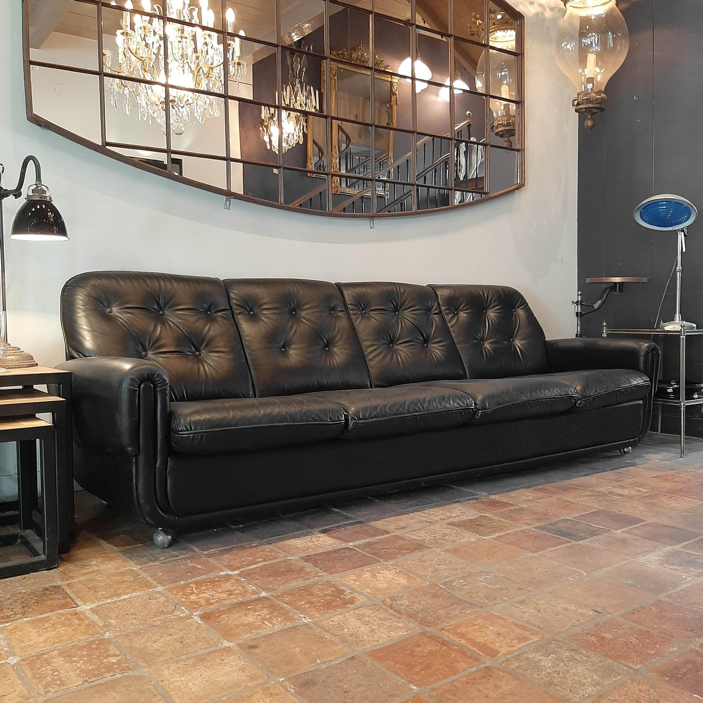 Vintage Viersitzer-Sofa aus schwarzem Leder