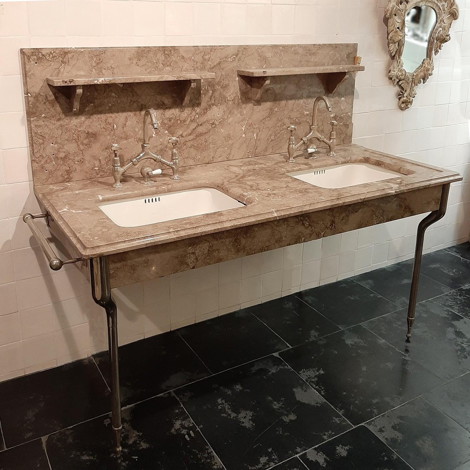 Alte Waschtischmöbel aus Marmor