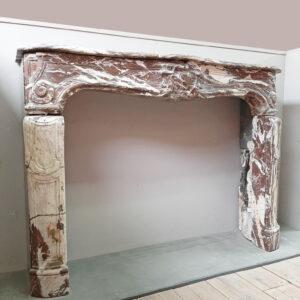 marmorkamin-louis-xiv-aus-dem-18-jahrhundert